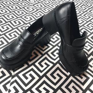 Vintage•Mudd•platform chunky heel penny loafer